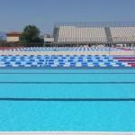 Stage natation à Loutraki en Grèce, complexe aquatique avec bassins 50m et 25m découverts, adaptés natation sportive, synchronisée et waterpolo