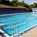 Stage natation à Loutraki en Grèce, complexe sportif, bassin 25m découvert ouvert de fin avril à septembre
