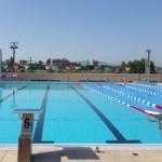 Stage natation à Loutraki en Grèce, bassin 25m découvert 8 lignes adapté natation synchronisée