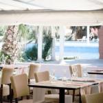 Stage natation à Canet-en-Roussillon en France, restaurant avec terrasse